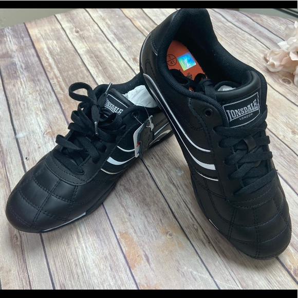 Lonsdale Shoes   Camden Sneakers Size 8